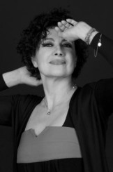 """Licia Maglietta interpreta """"Il difficile mestiere di vedova"""""""