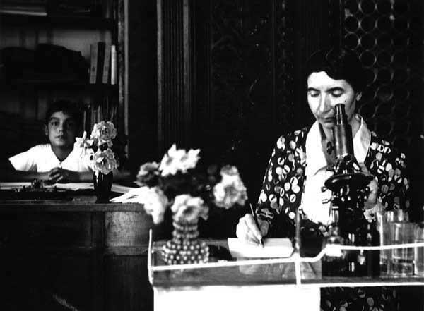 Italo Calvino con la madre Evelina Mameli a Sanremo