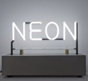 """""""NEON. La materia luminosa dell'arte"""" al MACRO"""